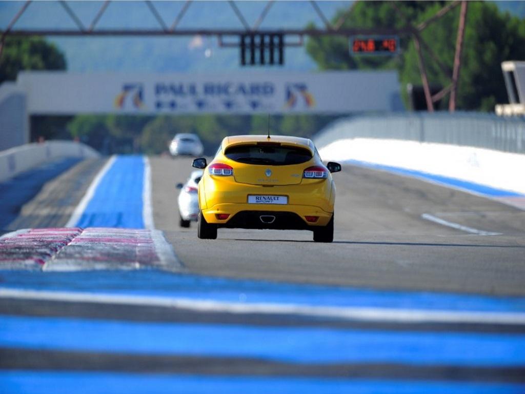 Le grand circuit Paul Ricard pour les moins de 300 ch